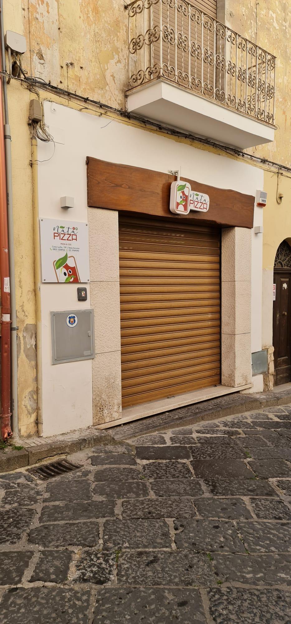 CEDESI ATTIVITà PIZZERIA AL TAGLIO A SESSA AURUNCA